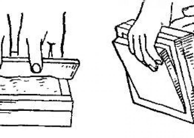 Формование плиток в деревянной форме